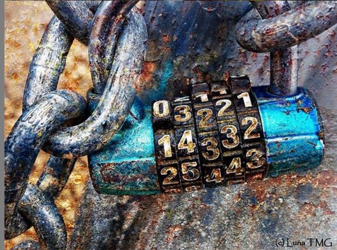 Unlock me II © Luna TMG Instagram