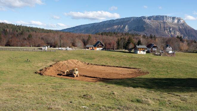 Démarrage du décapage des terres végétales le 9/11/2020 à La Féclaz © plbillot
