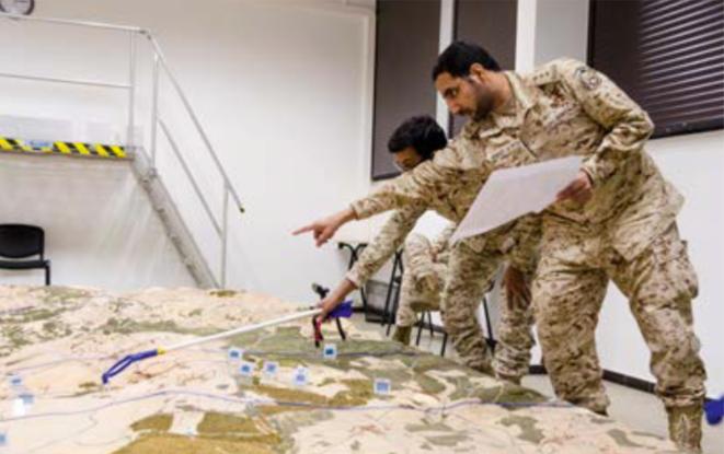 Formation d'officier d'artillerie et d'infanterie saoudien par la société française DCI. © DCI Group.