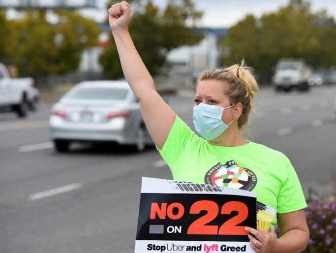 Une conductrice opposée à la Proposition 22 le 9 octobre 2020 à Oakland (Californie). © Josh Edelson/AFP