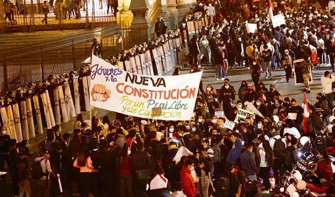 Des organisations populaires exigent une nouvelle Constitution © La República