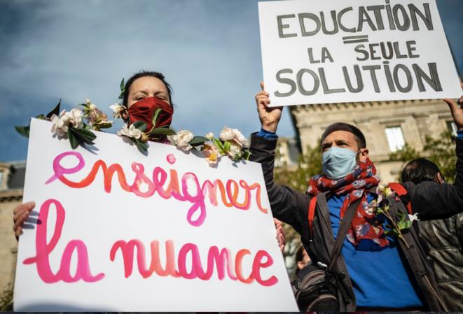 Lors de l'hommage à Samuel Paty, à Paris. © Hugo Passarello Luna / Hans Lucas via AFP
