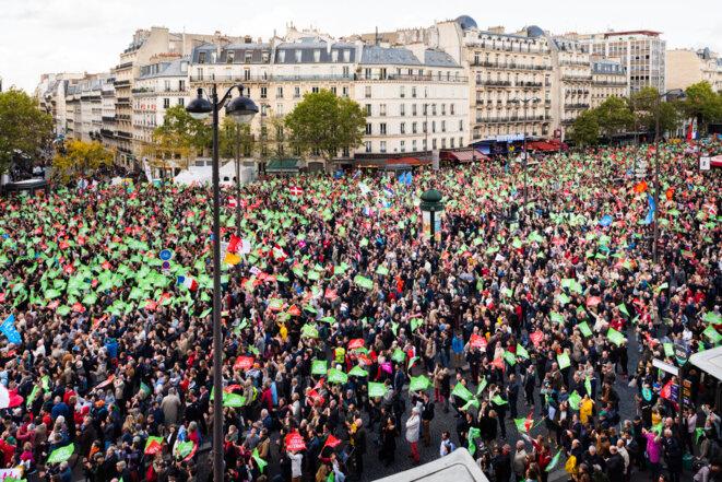 Manigestation dans le quartier Montparnasse, à Paris. © Crédit Karine Pierre /Hans Lucas via AFP