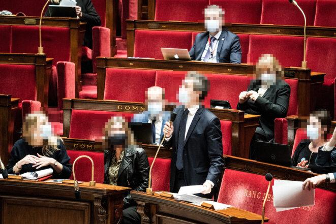 Lors des débats sur la loi « sécurité globale » à l'Assemblée nationale. © Xosé Bouzas / Hans Lucas via AFP