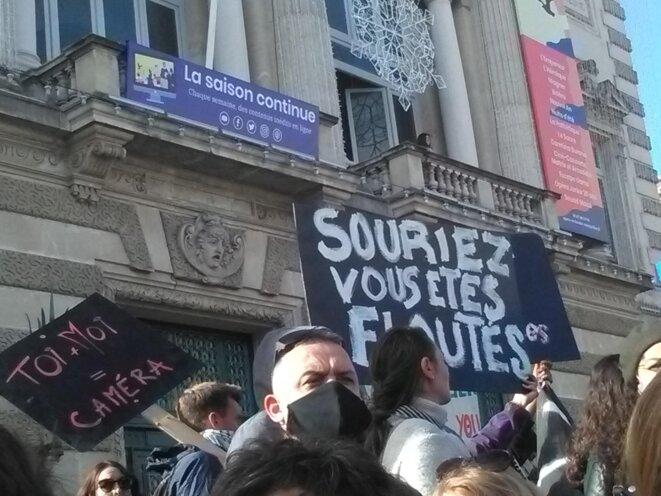 Montpellier samedi 21 Novembre devant le théatre © Perso