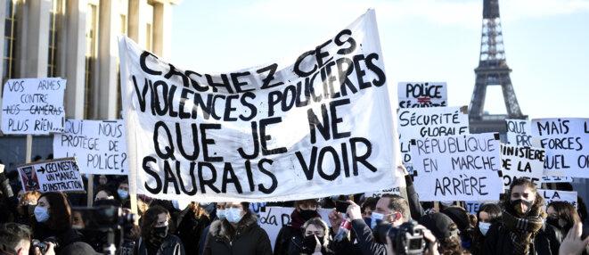 La mobilisation place du Trocadéro, à Paris, contre la loi « sécurité globale », samedi 21 novembre. © Stéphane de Sakutin / AFP