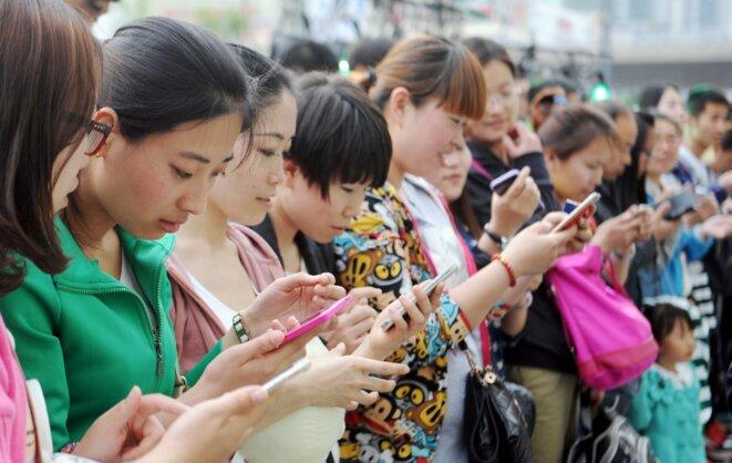 la technologie numérique crée plus de cohésion et de connexion - sous le socialisme