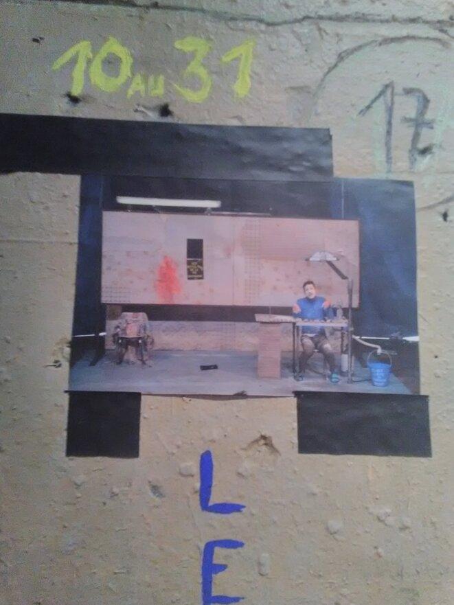 Théâtre de l'Aquarium, mur du foyer, collage, Bruit théâtre et musique, Cartoucherie, Paris, Janvier 2020 © Joël Cramesnil