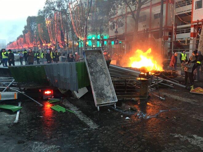 Acte 2, 24 novembre 2018, Champs-Élysées