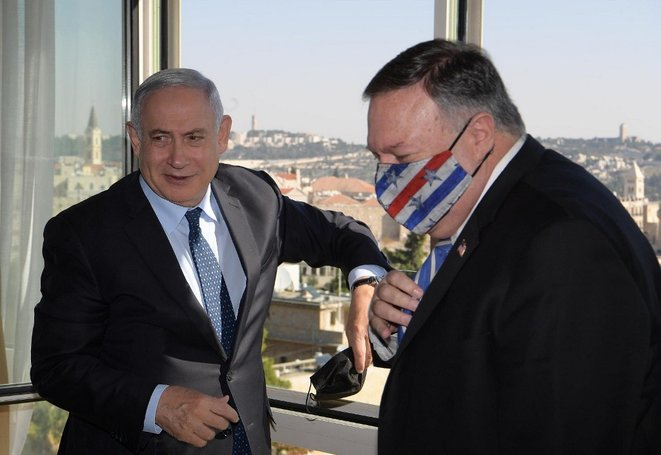 Benjamin Netanyahou et Mike Pompeo le 19 novembre 2020. © Israeli Prime Ministry/Handout/ANADOLU AGENCY/AFP