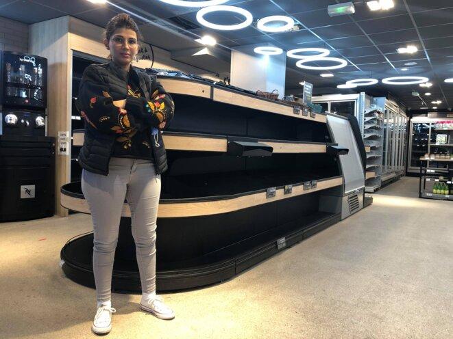 Bouchra Bouziane dans son magasin presque vide, le 5 novembre 2020. © KZ