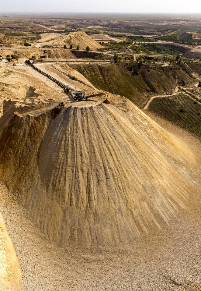 Mines de phosphates de Khourigba au Maroc © Yann Arthus Bertrand