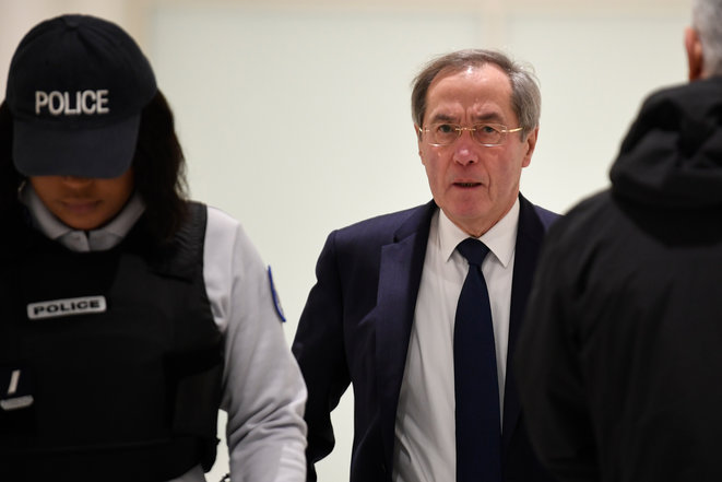 Claude Guéant, en décembre 2018, pour son procès sur les primes en espèces du ministère de l'intérieur. © Eric FEFERBERG / AFP
