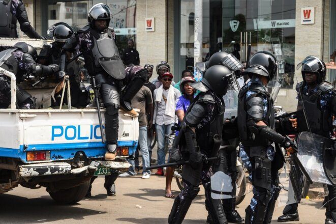 Déploiement de policiers anti-émeutes pendant la campagne électorale en février à Lomé. © Pius Utomi Ekpei/AFP