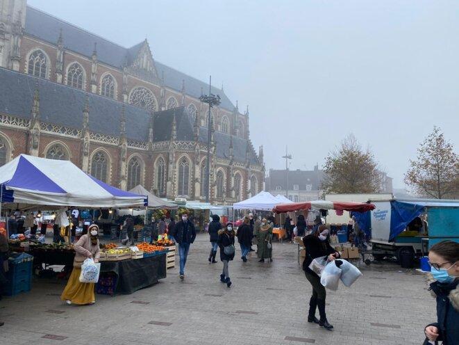 Le marché de Tourcoing, en décembre 2020. © IR / Mediapart