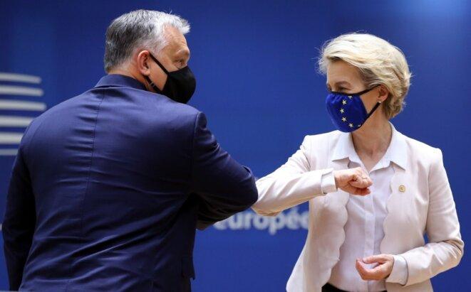 Le Hongrois Viktor Orbán et l'Allemande Ursula von der Leyen, le 10 décembre 2020 à Bruxelles. © AFP / Dursun Aydemir - Anadolu Agency