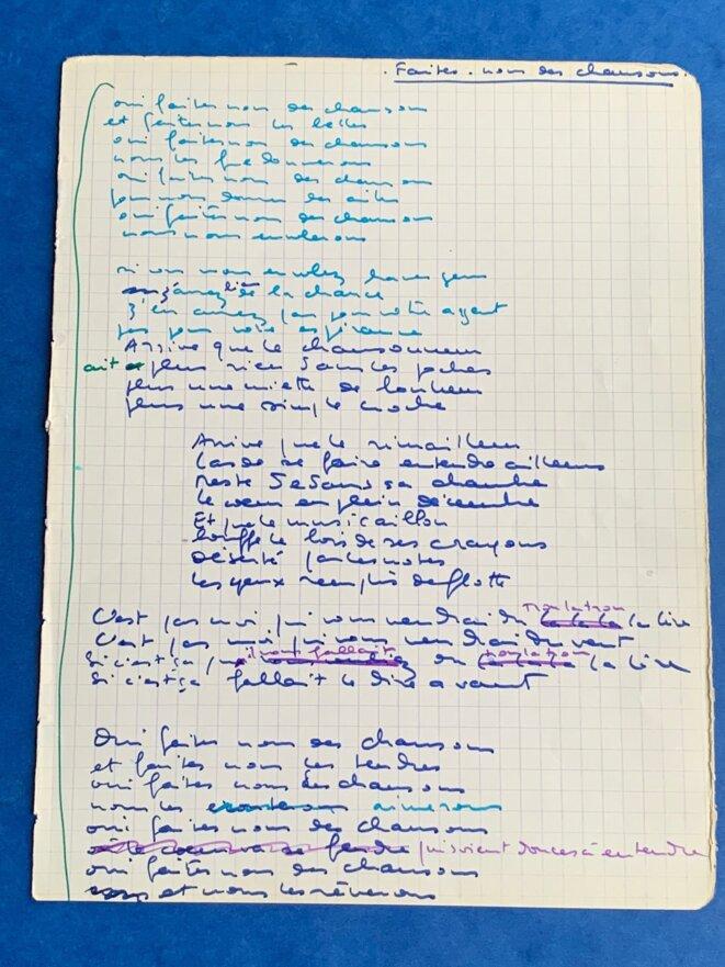 feuillet d'un carnet de chanson de la main d'Anne Sylvestre © Bernard Hennebert/Anne Sylvestre