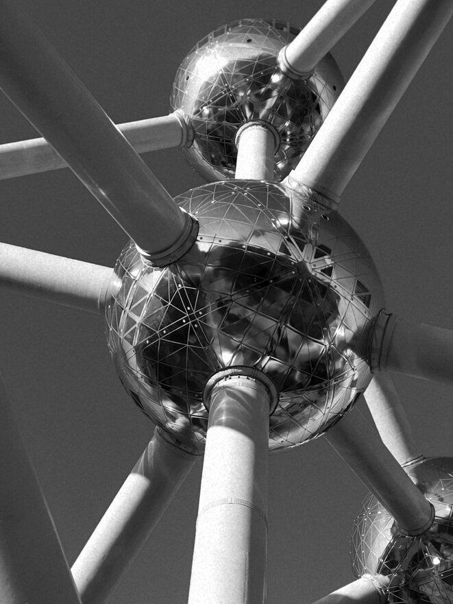 L'atome © Le Petit Bretteur