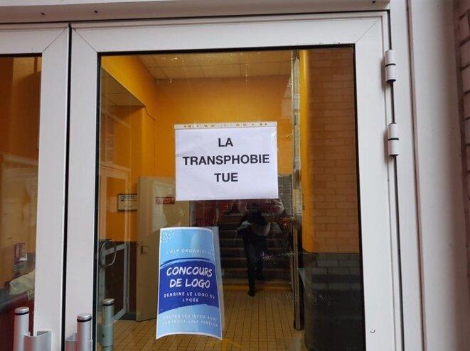 Une affiche rapidement retirée, au lycée Fénelon de Lille, vendredi 18 décembre. © DR