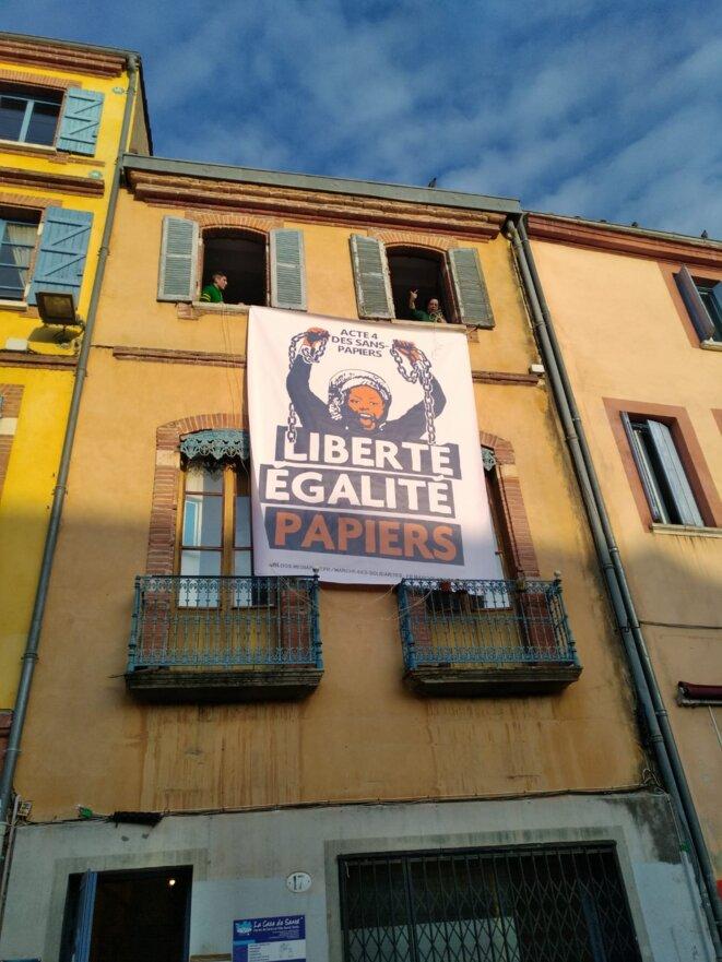 Sur le lieu de départ de la manifestation à Toulouse