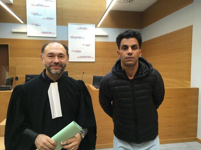 Maître Samih Abid et Aymen Barhoumi au tribunal administratif de Nice le 18 décembre 2020. © HC
