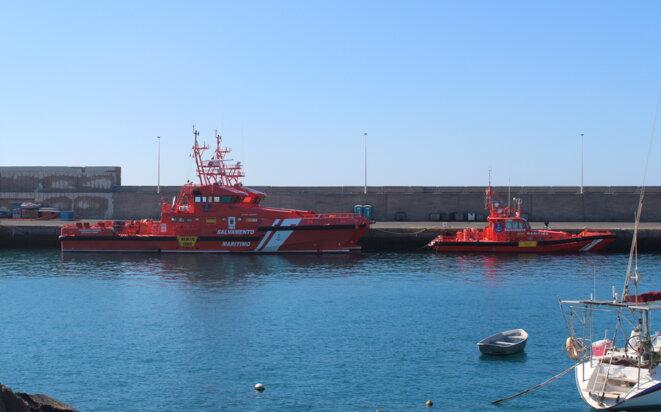 Les bateaux des sauveteurs espagnols, au port d'Arguineguin. © NB.