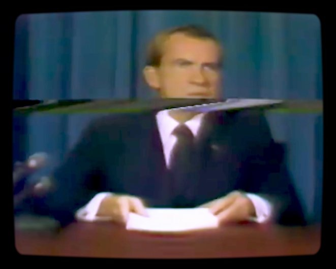 Nixon au moment de son supposé discours annonçant la mort des astronautes d'Apollo 11.