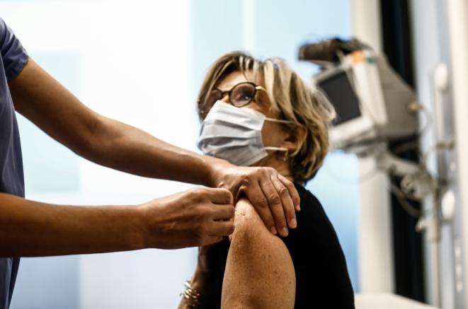 Vaccination à l'hôpital de l'Hotel-Dieu à Paris, le 2 janvier 2021. © Sameer Al-DOUMY / AFP
