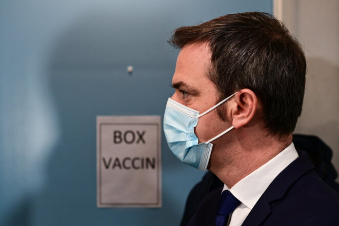 Le ministre de la santé Olivier Véran, à Paris, le 4 janvier 2021. © MARTIN BUREAU / AFP