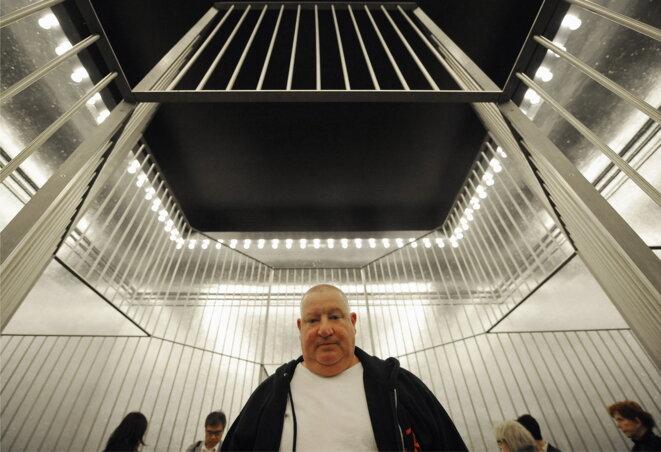 L'artiste Claude Lévêque à la Biennale de Venise, en 2009. © Alberto Pizzoli/AFP