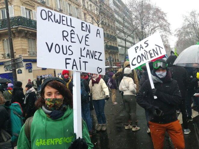 Dans la manifestation parisienne, le 16 janvier. © D.I.