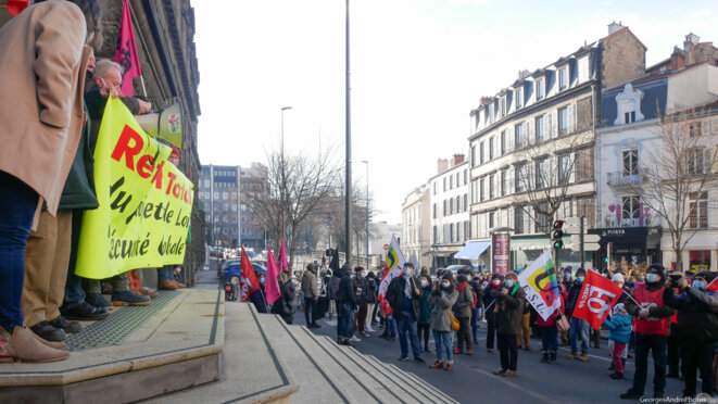 Pas besoin de tribune, les marches font l'affaire. © Georges-André