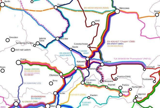 Prague manque de connexions vers l'Ouest, alors que le réseau est plus dense à l'Est (lignes début 2020) © Eric Rosen
