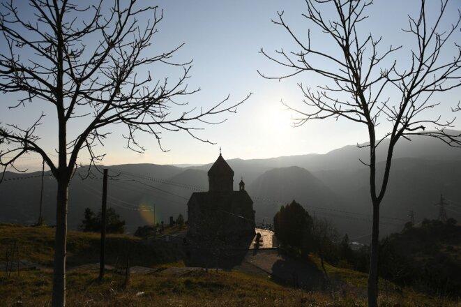 Une église orthodoxe dans le district de Lachin, passé sous contrôle de l'Azerbaïdjan le 1er décembre 2020. © Maksim Blinov/Sputnik/AFP