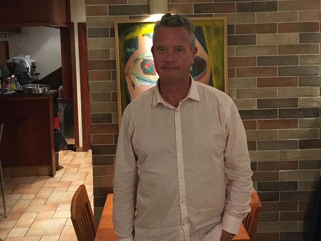 Jonathan Taylor, un citoyen britannique qui a lancé l'alerte au sujet d'un réseau international de « pots-de-vin » à hauteur de 275 millions de dollars payés par la plateforme pétrolière SBM Offshore, est piégé depuis près de 6 mois en Croatie où il a été arrêté alors qu'il arrivait pour de courtes vacances avec sa femme et ses trois enfants.