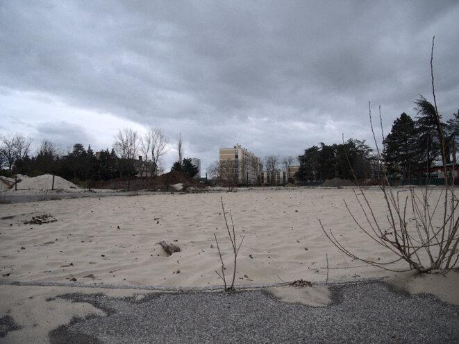 Ce qu'il reste de Valence Plage, le complexe dont le maire a décidé la suppression peu de temps après son élection. © Octavie Maurel