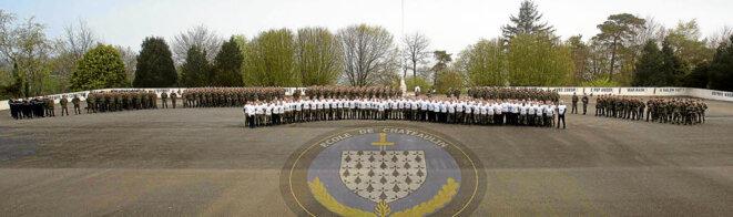 L'école de gendarmerie a fait preuve de générosité, notamment en achetant 330 tee-shirts au profit d'Asperansa © DR