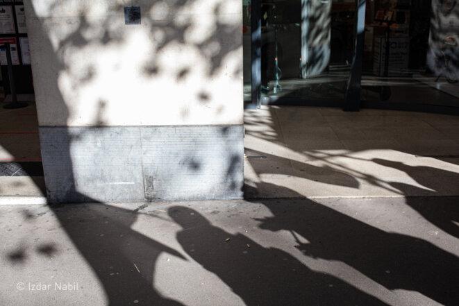 Rassemblement des livreurs sans-papiers de Stuart, avenue des ternes, devant le siege de la plateforme © Izdar Nabil