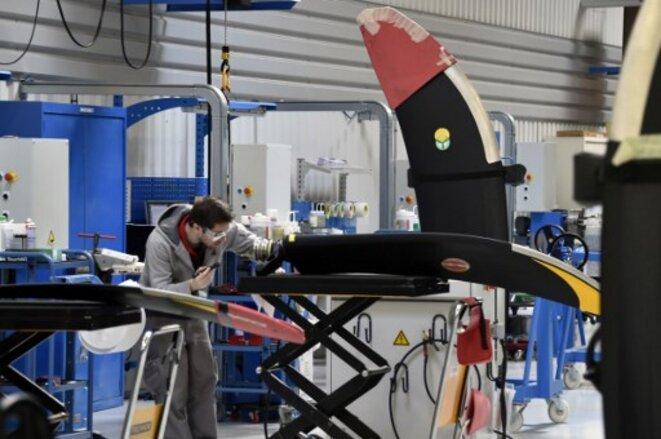 Atelier de fabrication de pales pour les ATR à l'usine Ratier. © Pascal Pavani / AFP