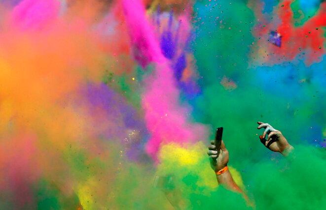 Colour Run à Sidney en 2013 utilisant des colorants alimentaires qui sont pour certains des pigments synthétiques © Daniel Munoz - Reuters