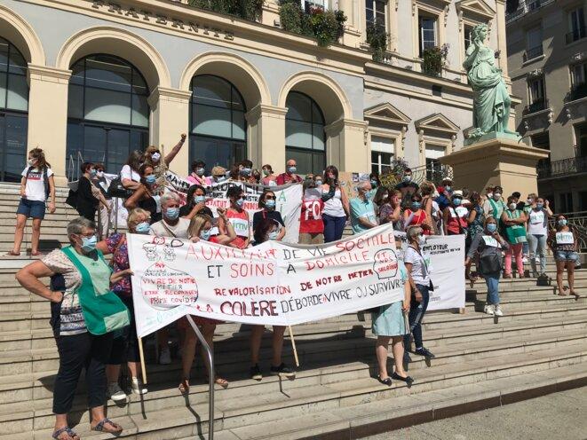Manifestation d'aides à domicile, Saint-Etienne, septembre 2020 [Photo YF]