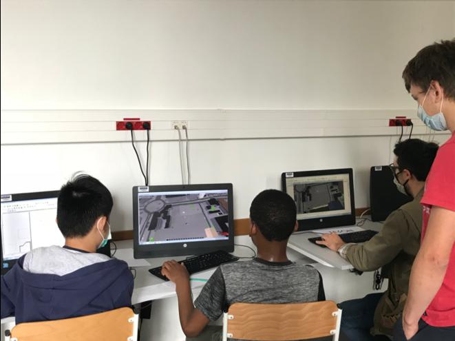 Lors d'une session préparatoire de l'atelier Urbanités Numériques En Jeux (UNEJ) au collège Poincaré, le 17/07/20