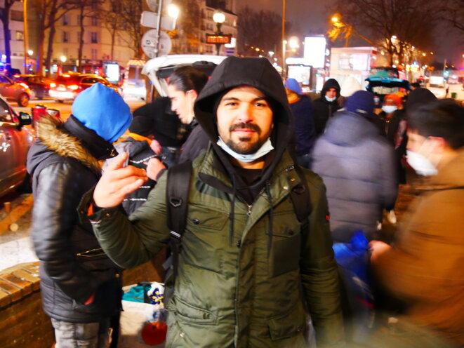 Nadjib est afghan. Arrivé en France il y a un an, il est sans logement. © Iban Raïs