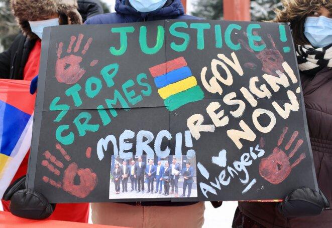 Une des pancartes des manifestants à Genève. © Jean-Luc Mootoosamy/ Media Expertise