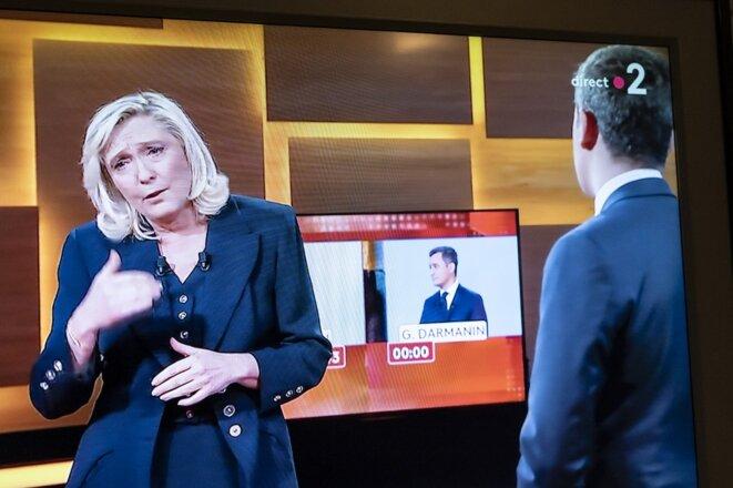 Gérald Darmanin et Marine Le Pen sur France 2, le 11 février 2021. © Laure Boyer / Hans Lucas via AFP