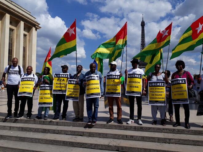 Togo, Manifestation de la diaspora togolaise à Paris le 6 mai 2018 pour libérer les détenus politiques, à l'initiative du Front Citoyen Togo-Debout