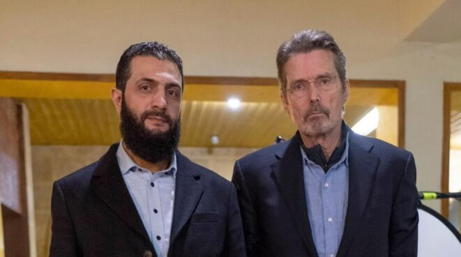 al-Jolani, chef de Hay'at Tahrir al-Sham, et Martin Smith © Compte twitter de Martin Smith