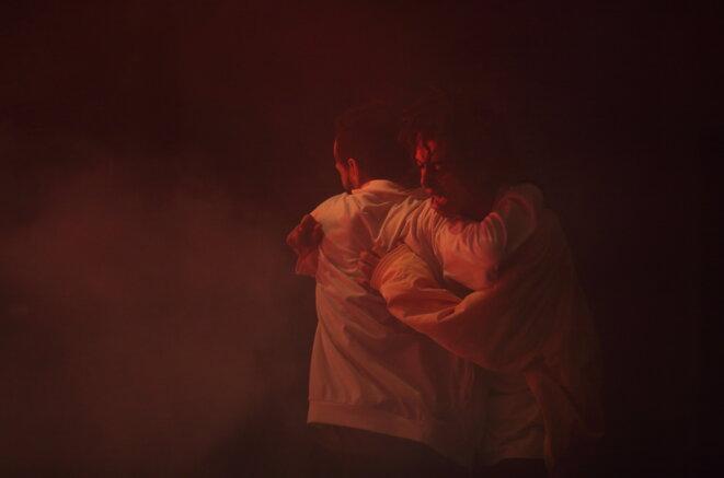 Olivier Dubois, Itmahrag, Pièce pour 7 performeurs danseurs et musiciens © Francois Stemmer