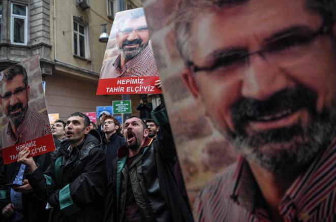Manifestation en mémoire de Tahir Elçi, tué en 2015, le 24 janvier 2019, sur l'avenue Istiklal à Istanbul. © OZAN KOSE / AFP