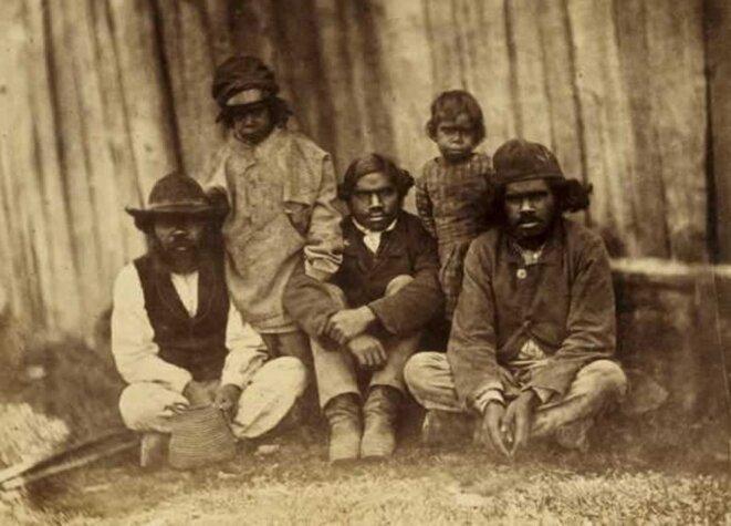 Cultivateurs aborigènes à la Loddon Aboriginal Protectorate Station de Franlinford, Victoria (1858). © DR